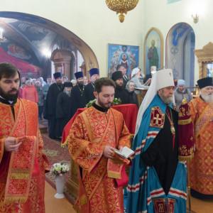 20170420-011-Liturgiya-Nikolskij-muzhskoj-monastyr-Bolshekulache-Omsk-mitr.-Vladimir-Ikim-IMG_2247-300x300