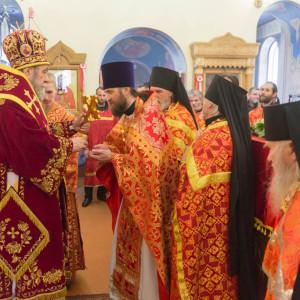 20170420-054-Liturgiya-Nikolskij-muzhskoj-monastyr-Bolshekulache-Omsk-mitr.-Vladimir-Ikim-IMG_2499-300x300